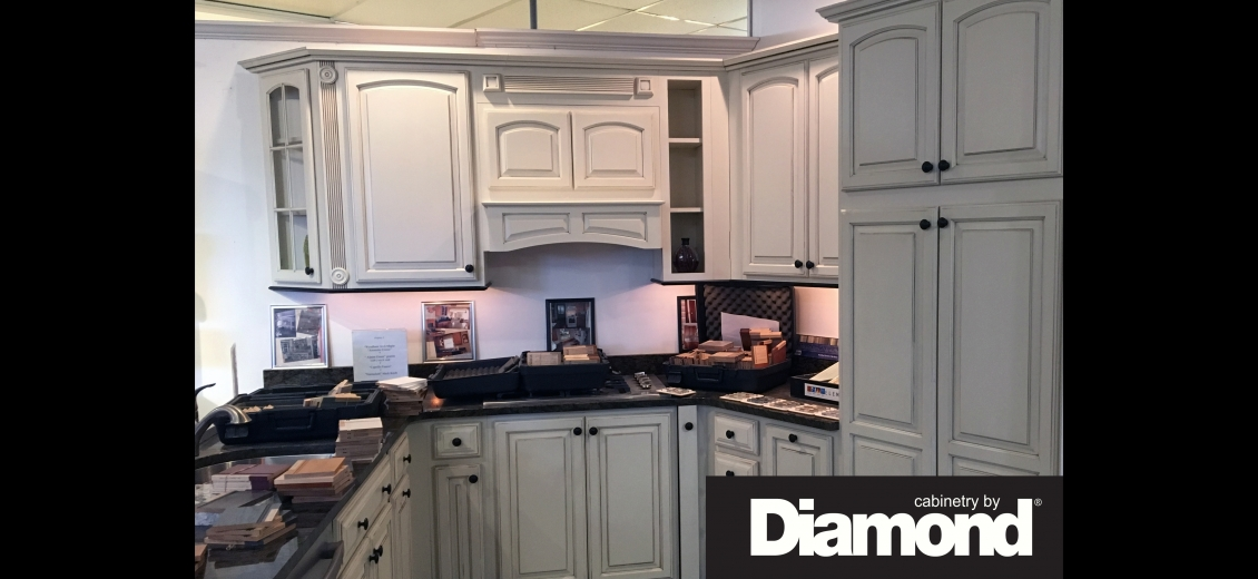 Diamond Distinction kitchen display at Auburn HEP Sales, 341 Grant Avenue Road
